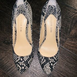 Gianni Bini snake print heels. Very pretty!